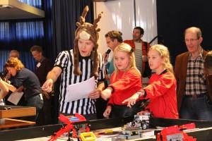 Robotwedstrijd met scheidsrechter